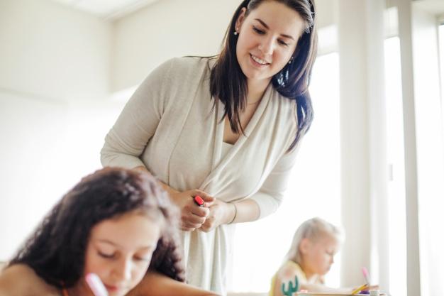 ¿Cómo estar al día con los derechos laborales del personal docente?