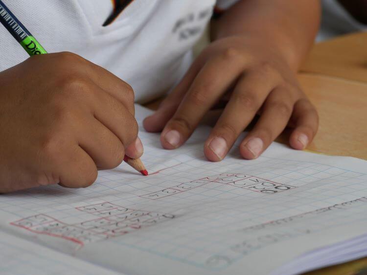 Criterios para definir Becas en los Colegios