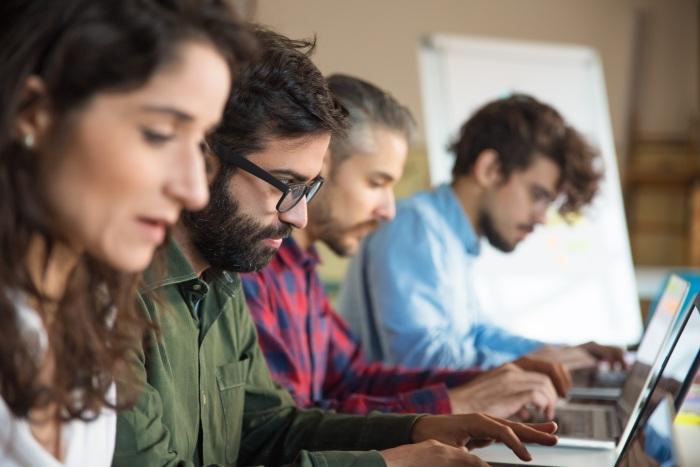¿Cómo Implementar un Software en el Ámbito  Escolar? Paso a Paso