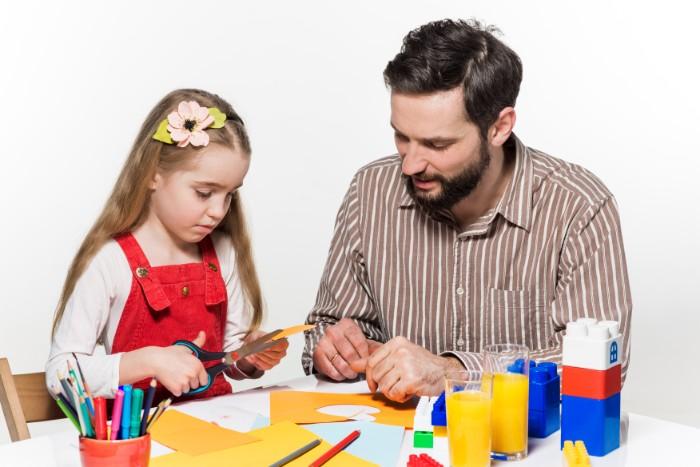 Analizá la situación de cada familia y ofrecé facilidades de pago.