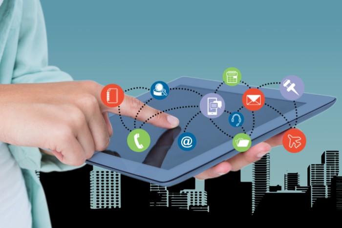 Un software en la nube ofrece fácil acceso a tus informaciones