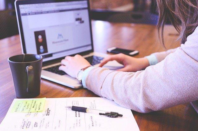Comparativa: Software en la Nube para Colegios Vs. Software de Escritorio