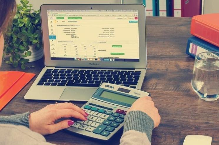 Un sistema contable online automatiza tareas y optimiza la gestión contable.