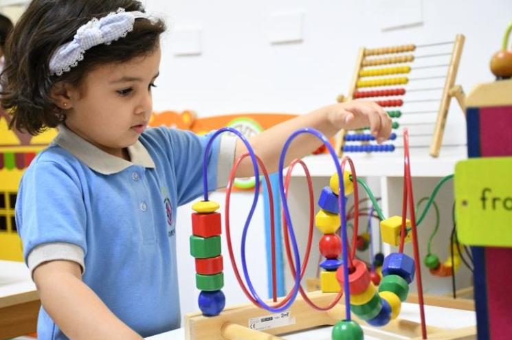 Educación Montessori: Cómo Aprovechar y Aplicar este Método en Colegios de Educación Tradicional